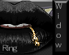 Pouty Ring Widow