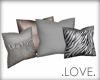 .LOVE. 4 Deco Pillows