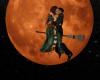 !Halloween Kiss Broom